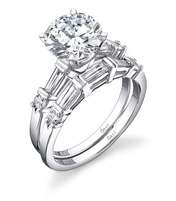 Round Brilliant Engagement Ring + Band